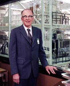 Dr. Lyman Spitzer, na Universidade de Princeton. crédito: site da Lockheed Martin